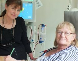 Art teacher Karen Bird with patient Sue Fletcher