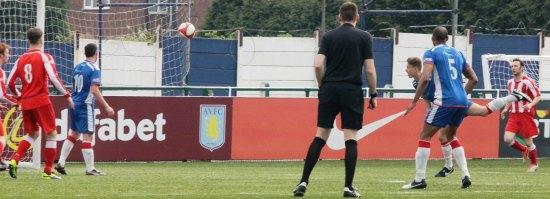 Todd Evans heads goalwards. Pic: Dave Birt