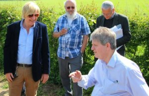 Michael Fabricant MP chats to Canal and River Trust accessibility consultant Phil Chambers, watched by Peter Buck, LHCRT engineering director, and Alan Johnson, CRT heritage consultant