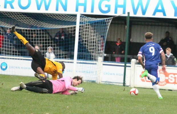 Ryan Wynter beats the keeper and the defender to score. Pic: Dave Birt
