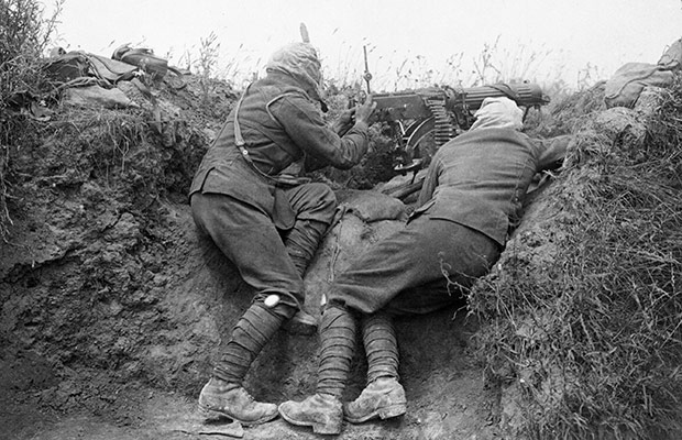 Soldiers fighting at the Battle of the Somme