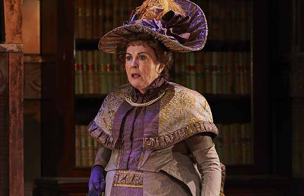 Gwen Taylor as Lady Bracknell in THE IMPORTANCE OF BEING EARNEST, credit The Other Richard
