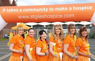 Laura Fitzgerald, Amy Hawksworth, Lucy Hill, Sarah Brown, Julie Brown and Cathy Calnan at the Solstice Walk