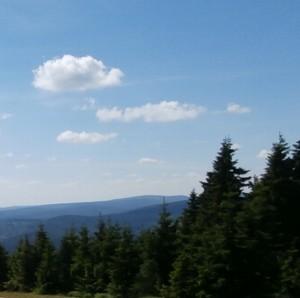 Sommertag mit blauem Himmel
