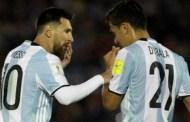 """Messi xóa tan tin đồn """"không ưa"""" Dybala"""