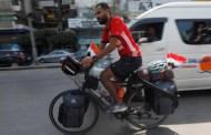 Đạp xe đến Nga xem World Cup