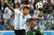 Thủ quân của ĐT Nigeria không phục trước quyết định của trọng tài thiên vị Argentina