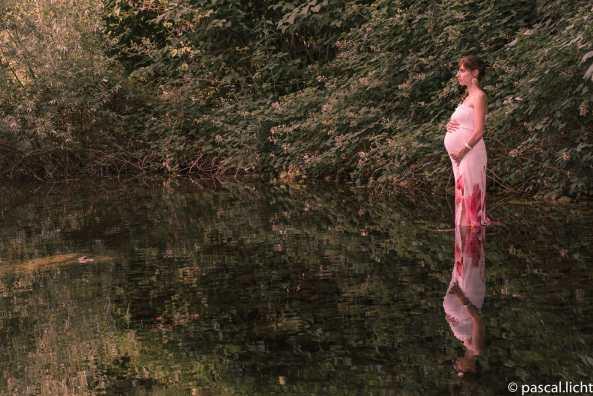 Foto di gravidanza nella natura. Schwangerschaft in der Nature.