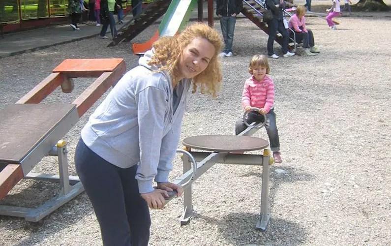 igranje u parku sa decom