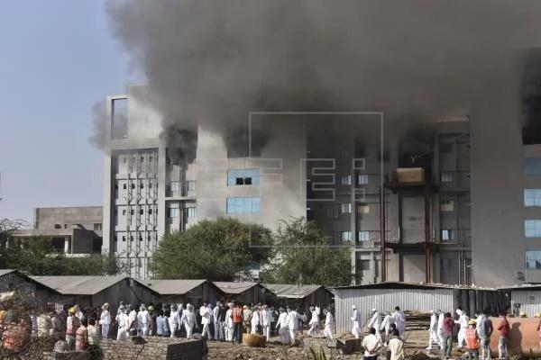 Na Índia, incêndio na maior produtora de vacinas do mundo mata 5 pessoas