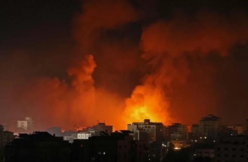 Israel bombardeia a casa do chefe do Hamas em Gaza no sétimo dia de luta