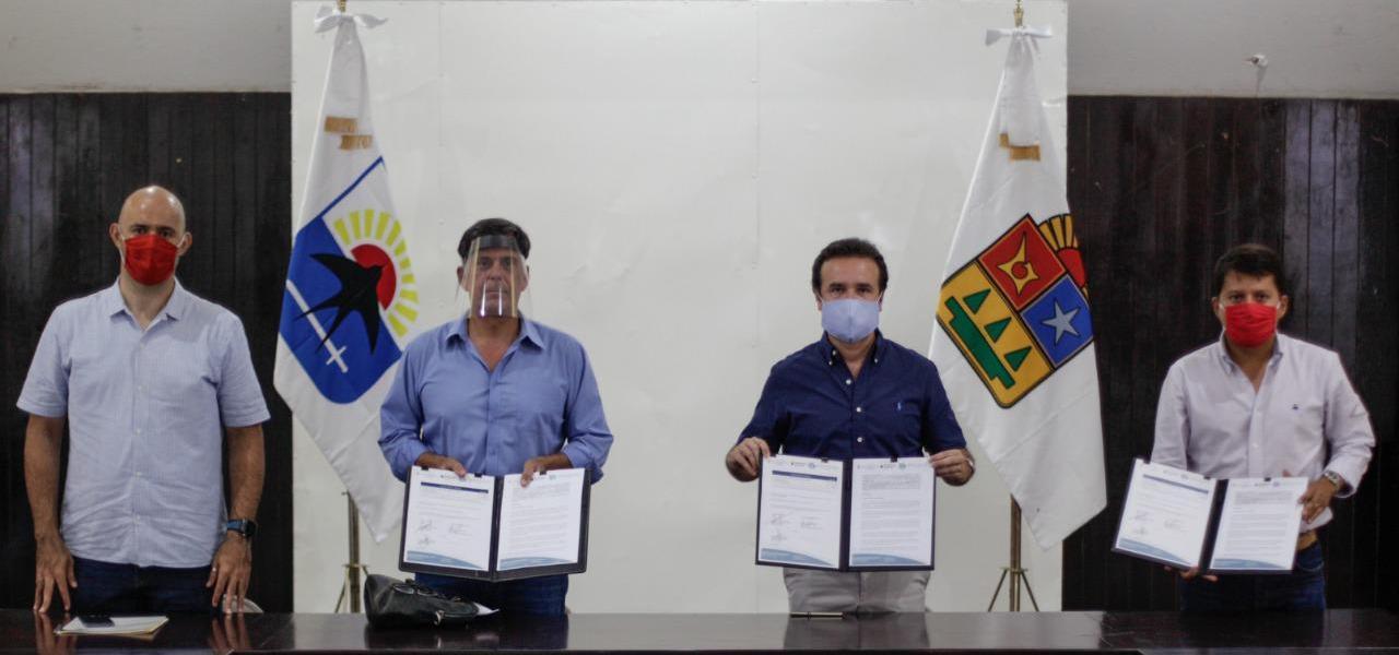 Firma Pedro Joaquín convenio de colaboración con el Hospital Internacional de Cozumel