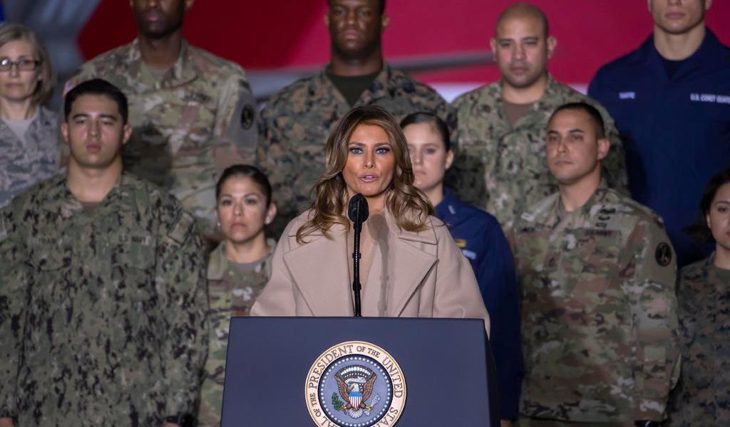 Universidad honrará a Melania Trump por su labor contra acoso