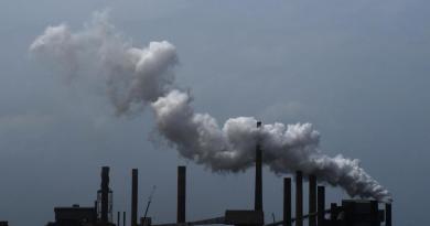 Propone Trump reducir drásticamente supervisión ambiental