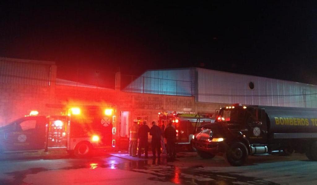 Se genera un incendio en instalaciones de empresa lechera en Torreón