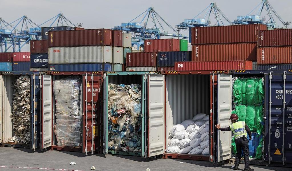 Devuelve Malasia residuos ilegales