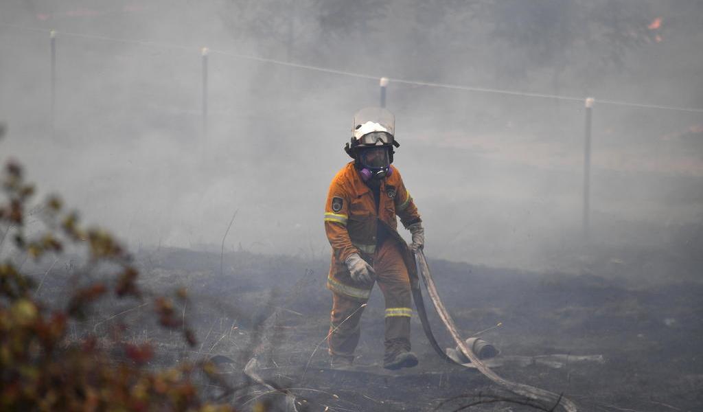 Reactiva Australia alerta de peligro por incendios forestales