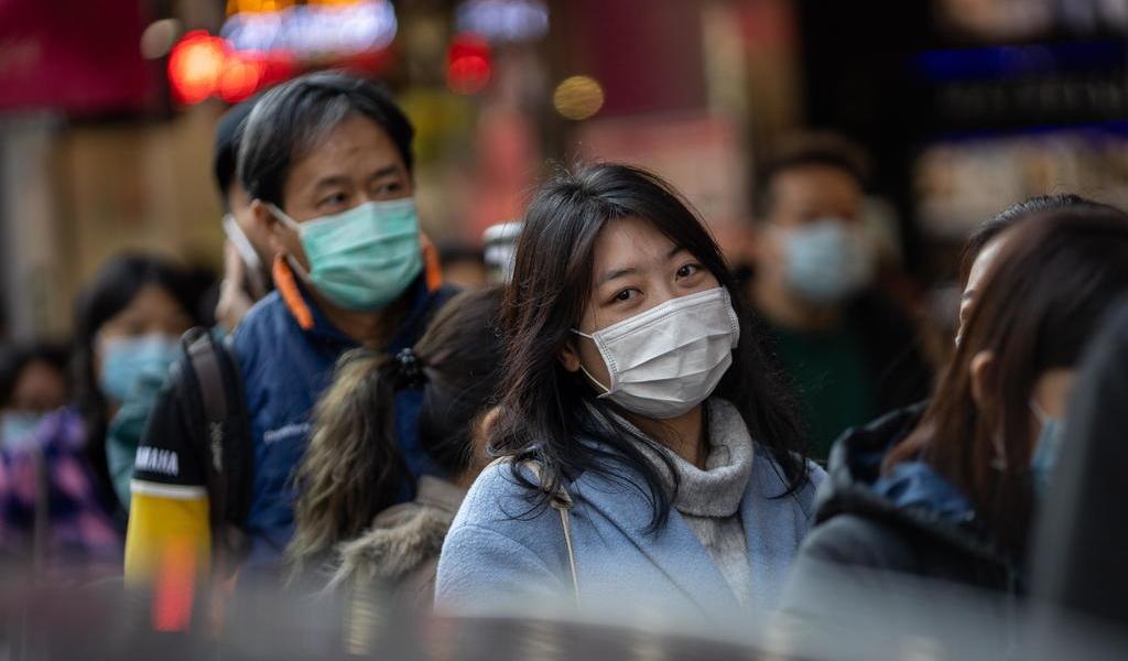 Amplía EUA revisiones a viajeros por coronavirus