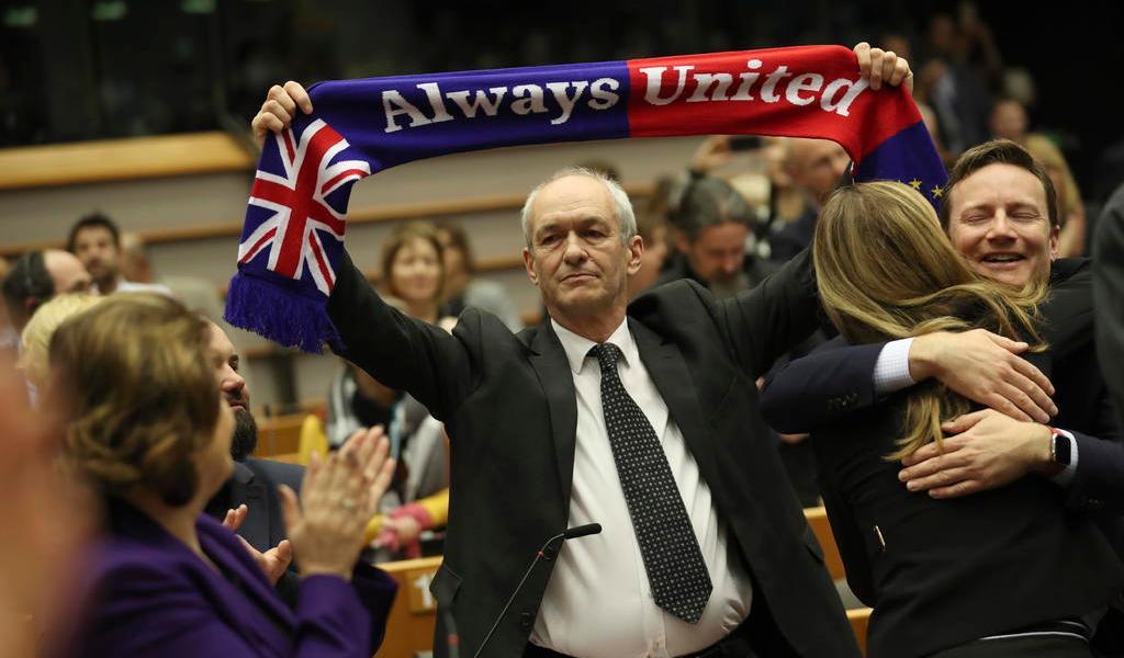 PE pone el sello final al 'Brexit'