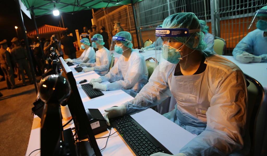 Ya son 490 muertos y 24,324 infectados por el nuevo coronavirus en China