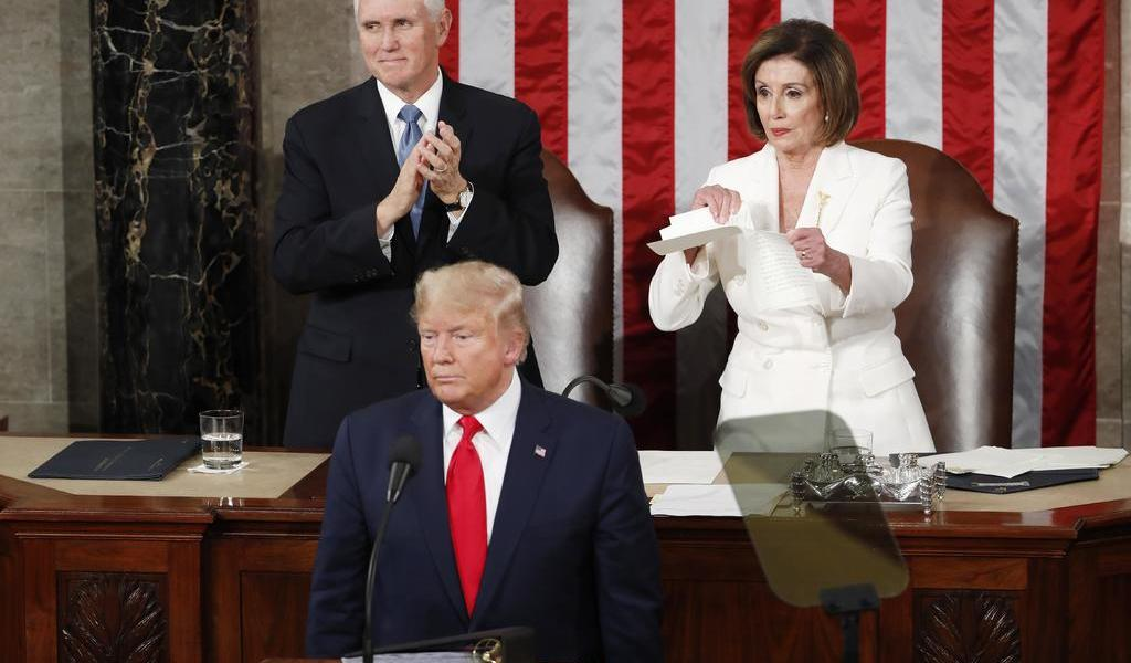 Nancy Pelosi rompe el discurso de Trump