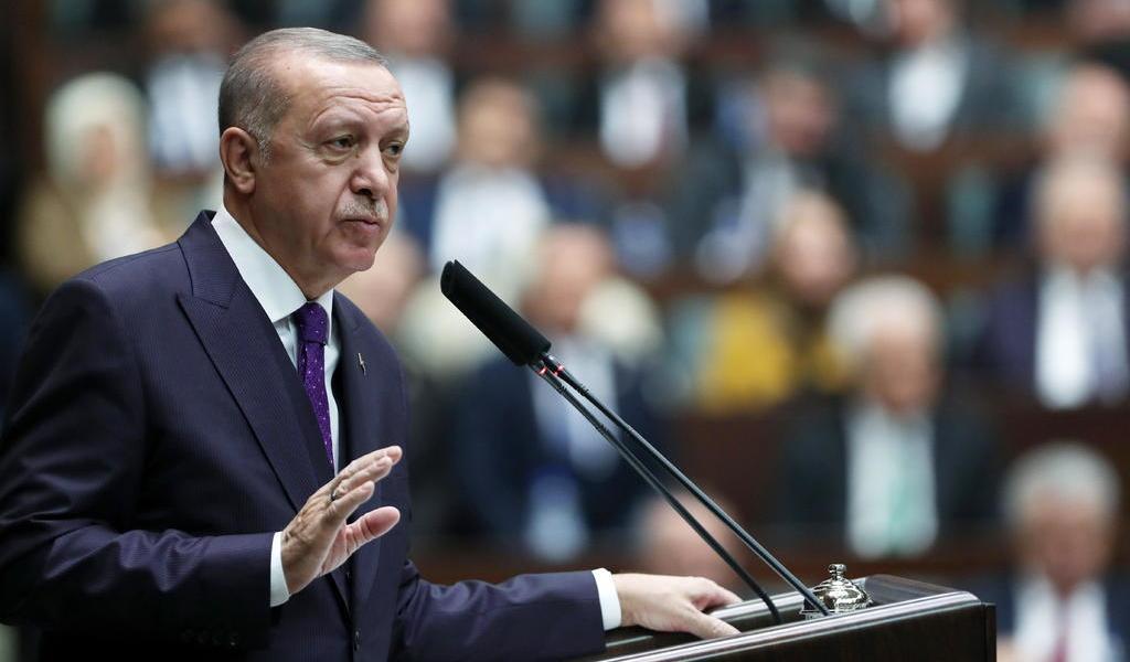 Amenaza Erdogan con atacar al Ejército sirio si no se retira de Idlib este mes