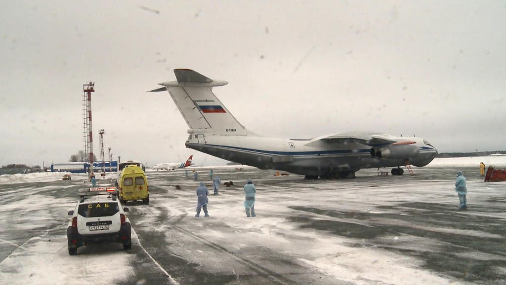 Rusia envía un avión con ayuda a China para luchar contra el coronavirus