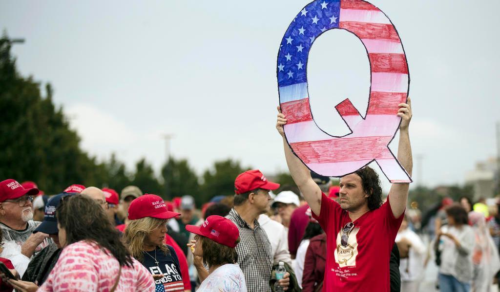 QAnon, teoría de conspiración que apoya a Donald Trump