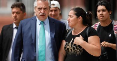 Reconoce Fernández que Argentina no puede cumplir con su deuda