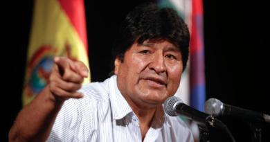 Dan plazo a Evo Morales para que subsane postulación al Senado