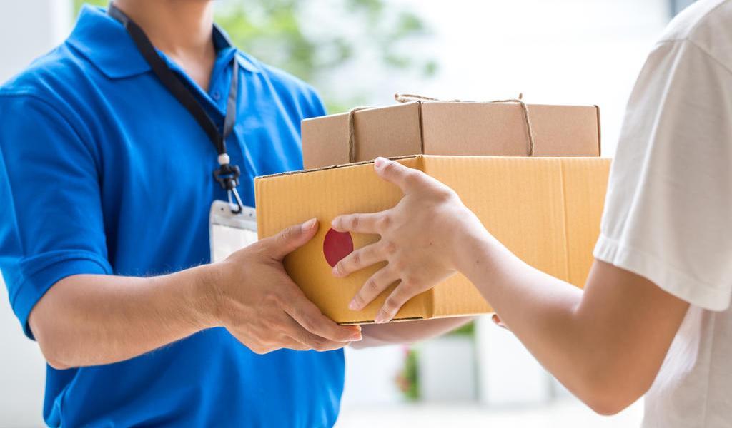Coronavirus repercute en envíos de cartas y paquetes