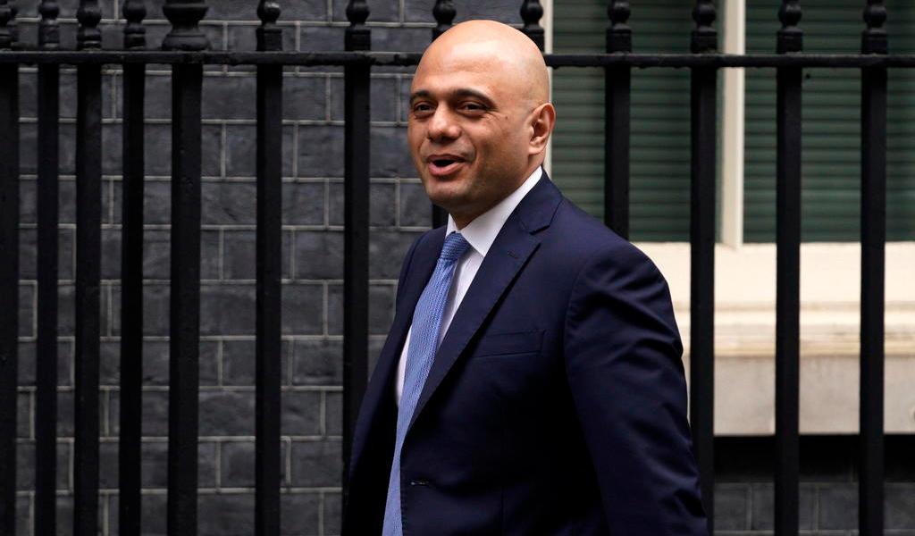 Renuncia ministro británico de finanzas por reorganización de gabinete
