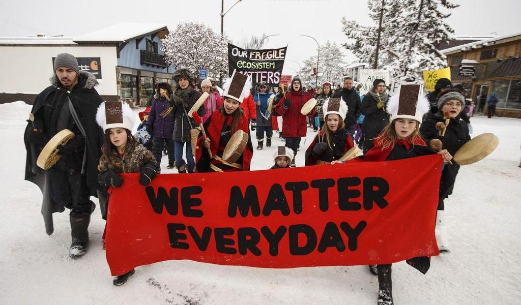 Protestas paralizan trenes en Canadá