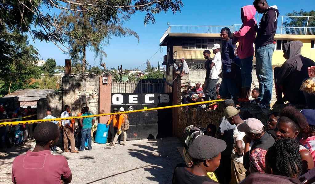 Mueren al menos 14 niños al incendiarse un orfanato en Haití
