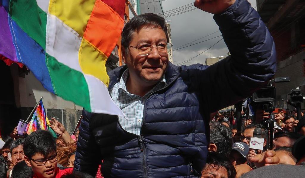 Aventaja Luis Arce en encuesta rumbo a elecciones de Bolivia