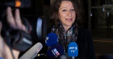 Se postula ministra de Salud a alcaldía de París