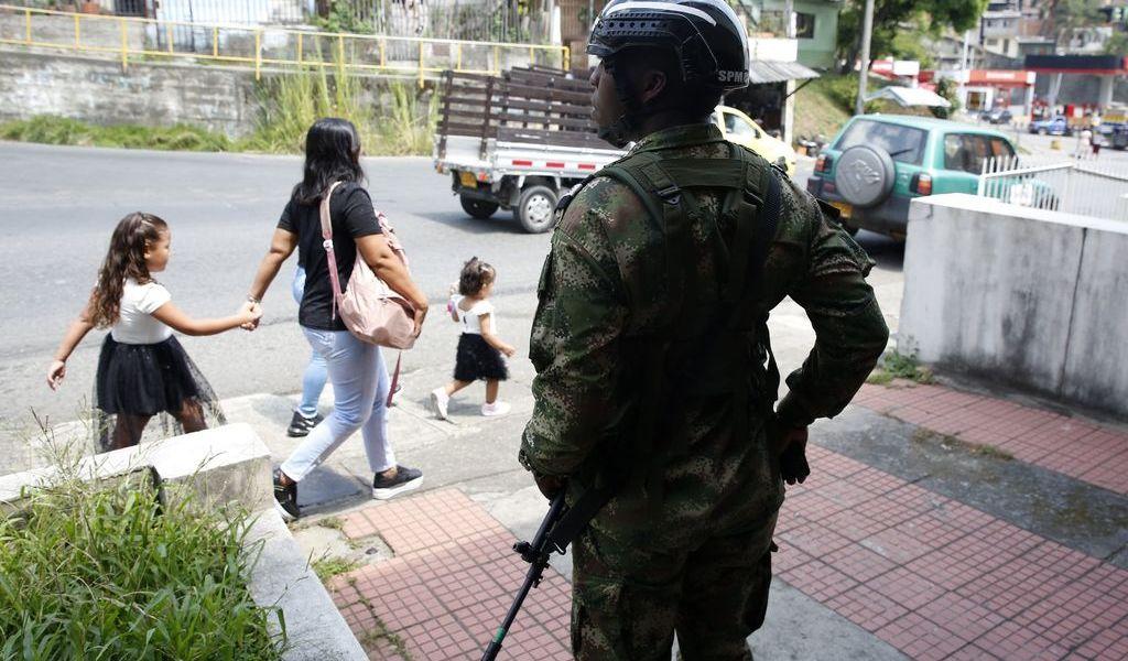 Enfrentamientos desplazan a venezolanos a Colombia