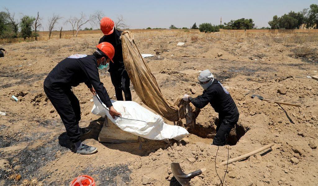 Localizan fosa con 70 cuerpos en Damasco