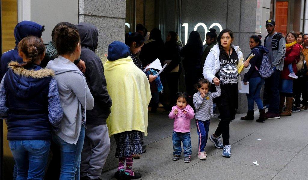 Migrantes huyen a beneficios sociales