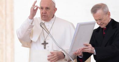 En Miércoles de Ceniza, el Papa Francisco alerta del 'polvo que ensucia la vida'