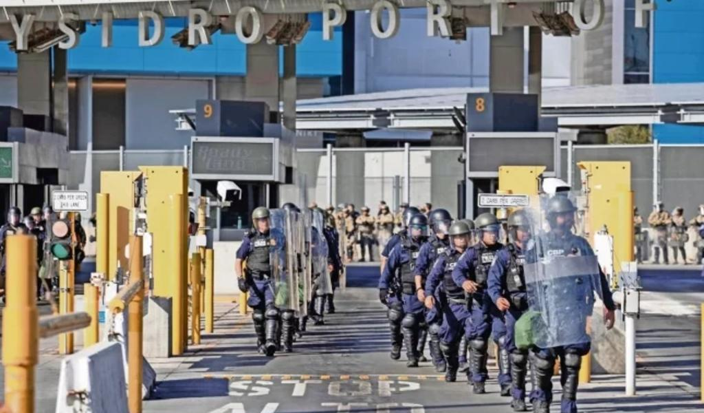 Trump evalúa cerrar frontera con México por coronavirus