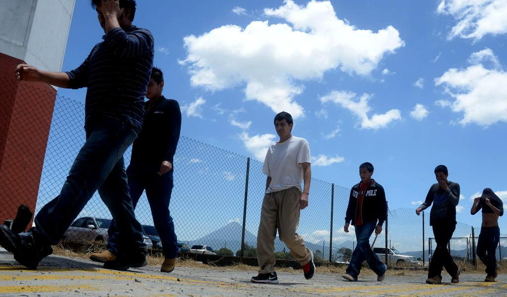 Gobierno de EUA aprueba almacenar muestras de ADN de indocumentados detenidos