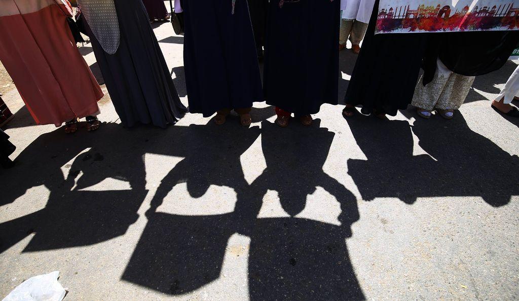 Mujeres pakistaníes 'se quitan el velo'
