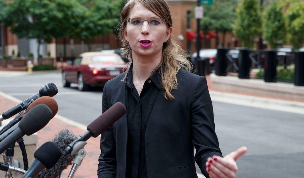Ordenan liberar a Chelsea Manning