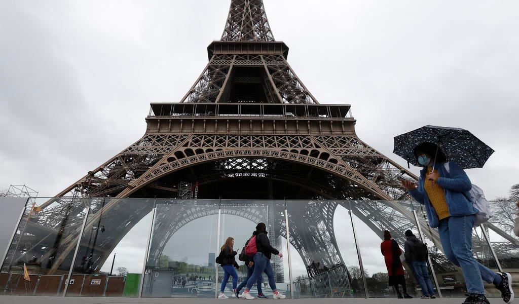 Francia cierra todos los lugares abiertos al público 'no indispensables'