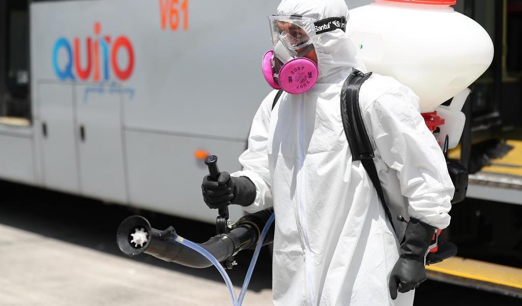 Suben a 37 los casos confirmados de coronavirus en Ecuador