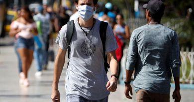 Emigrados cubanos no perderán residencia