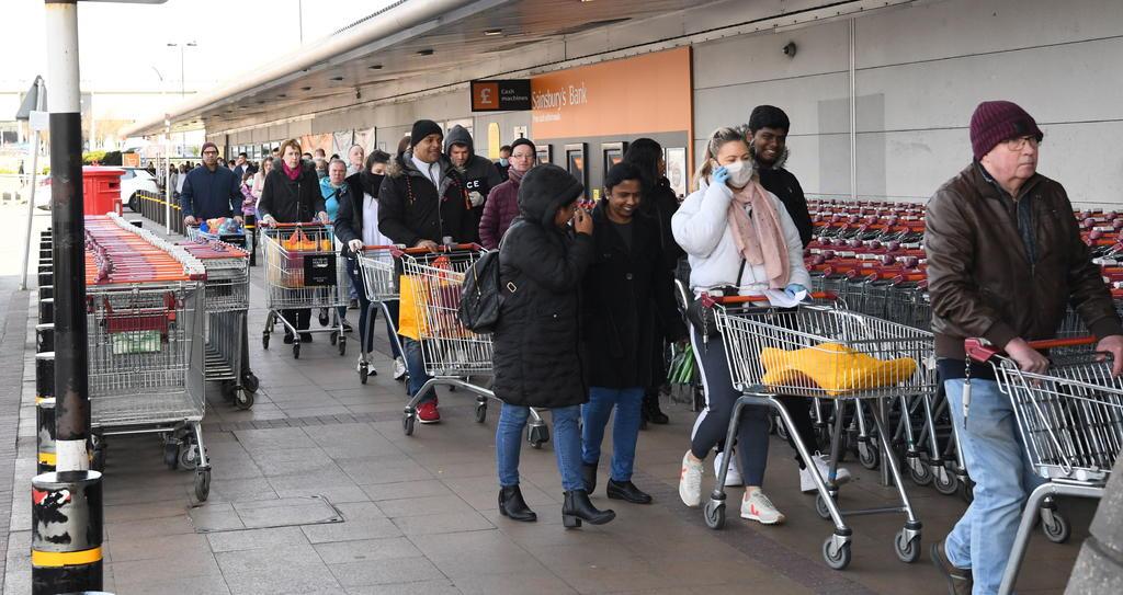 Reino Unido pedirá a 1.5 millones de personas vulnerables quedarse en casa