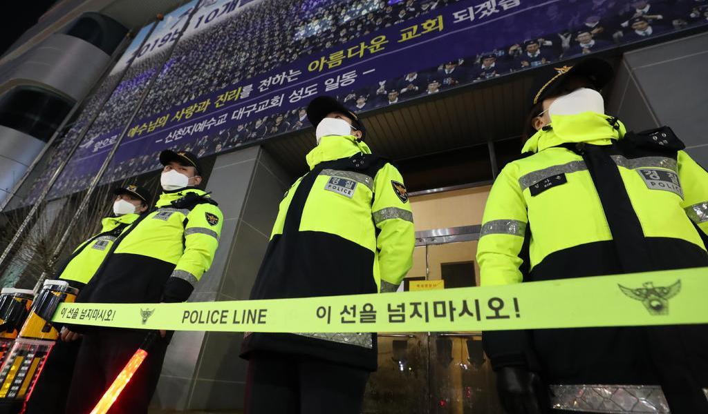 Corea del Sur sancionará a fieles que se congreguen en iglesias