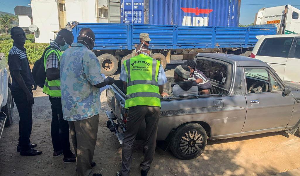 Encuentran a 64 inmigrantes muertos en camión de carga en Mozambique